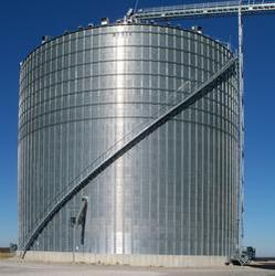 Get the convenience and advantages of a stairway on your grain silo with the BROCK SHUR-STEP® Silo Stairs.